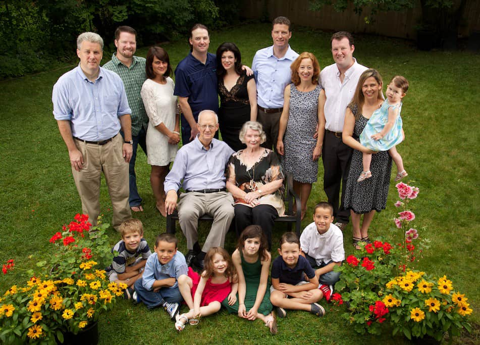 Your backyard is a studio – family portraits at home