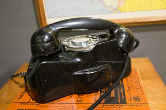 old rotary phone